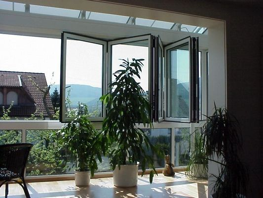 China Bedroom Energy Efficient Folding Glass Windows Silver Replacement Finish Surface distributor